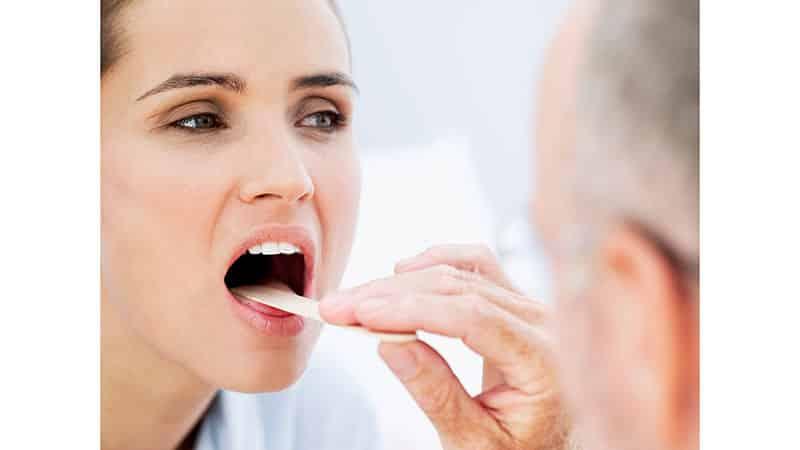 szemölcsökkel a szájban
