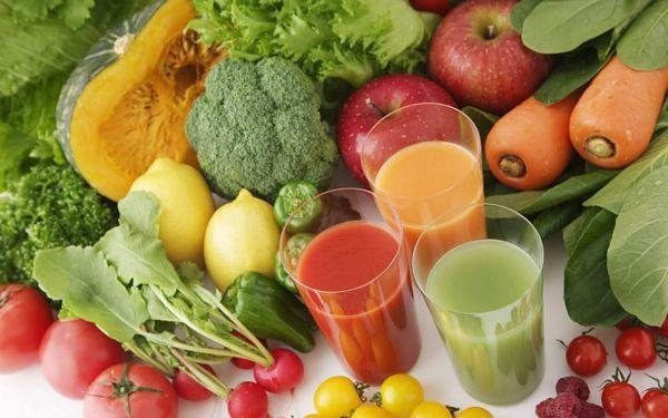 méregtelenítő és fogyókúrás gyümölcslevek)